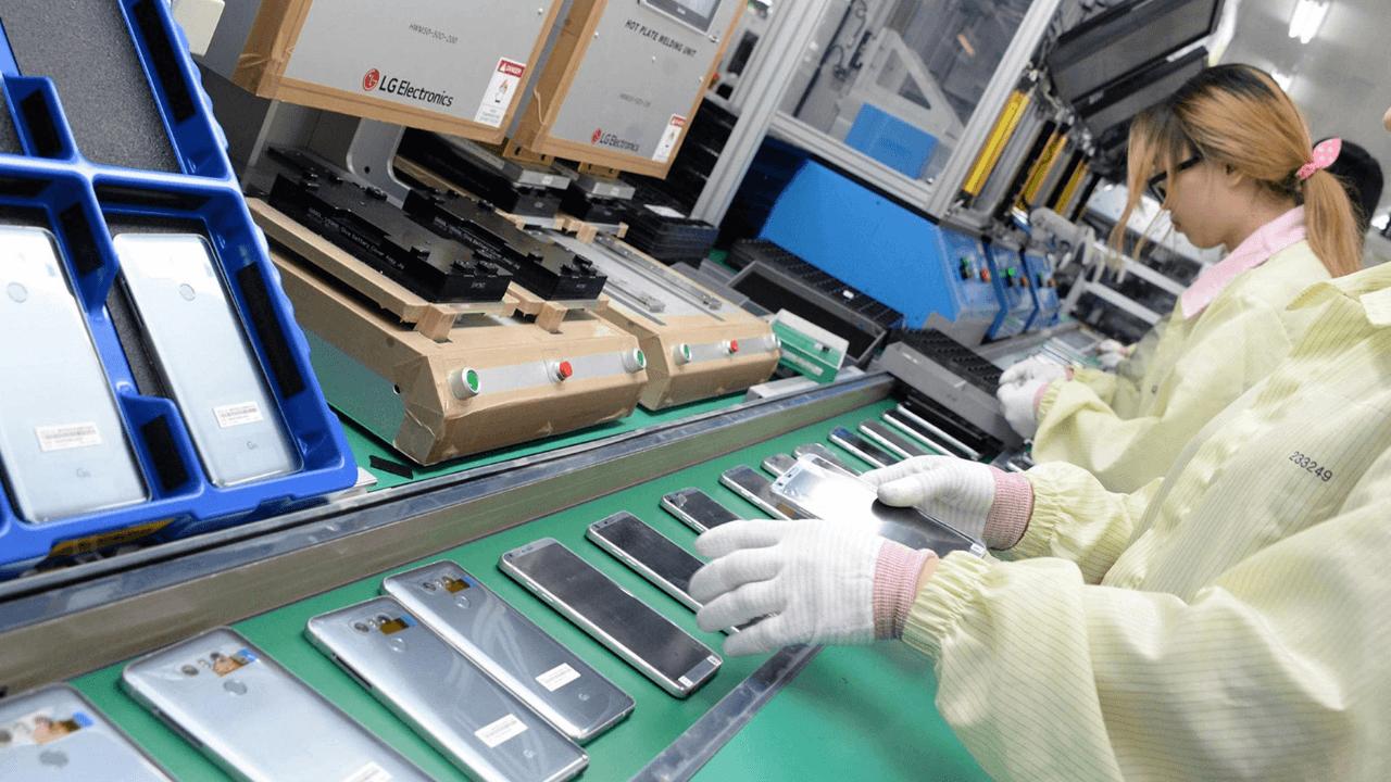Hindistan, ülkesinde akıllı telefon üretimini teşvik etmek için 6,65 milyar dolarlık teşvik paketi sunacak