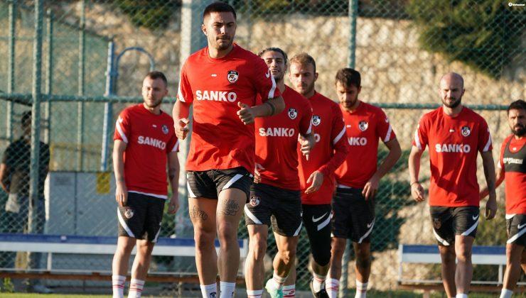 Gaziantep, Altay maçı hazırlıklarını çift antrenmanla sürdürdü