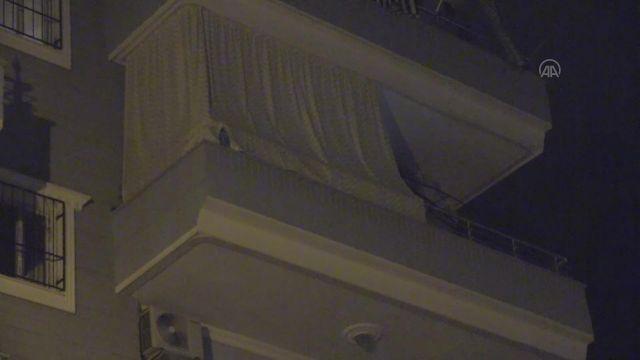 HATAY – Evde ölü bulunan anne ve 2 çocuğunun cesedi morga kaldırıldı