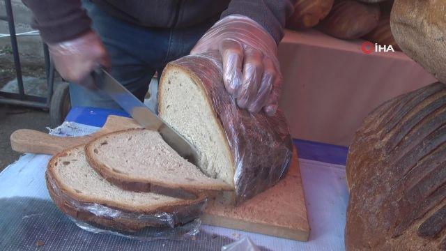 8 kiloluk dev ekmek görenleri şaşkına çevirdi