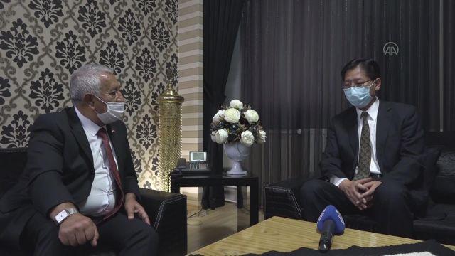 AFYONKARAHİSAR – Büyükelçiler Shaobin ile Vaivars, Belediye Başkanı Zeybek'i ziyaret etti