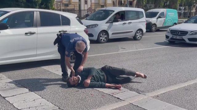 ANTALYA – Polisin durdurmaya çalıştığı kişiye araç çarptı