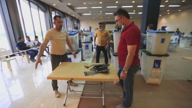 BAĞDAT – Irak Bağımsız Yüksek Seçim Komisyonu: Oyların elle yeniden sayımı bir hafta içinde bitirilecek