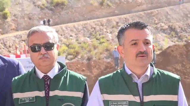 Bakan Pakdemirli: Pamukluk Barajı'nın ekonomiye yılda 500 milyon lira katkı sağlayacak