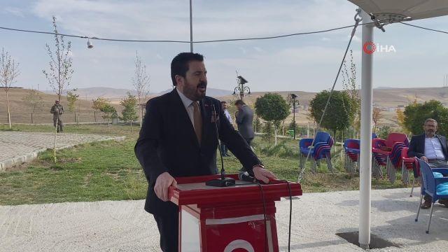 Başkan Sayan, Tutak'ta muhtarlarla bir araya geldi