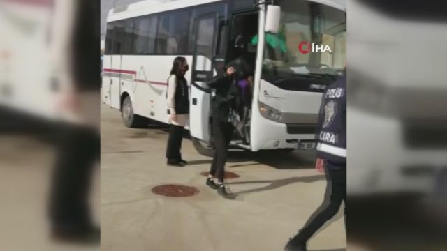Başkentte 2 kişinin gözaltına alındığı fuhuş operasyonunda yabancı uyruklu 14 kadın kurtarıldı