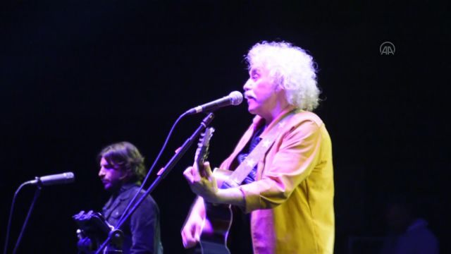 """BURSA – Yeni Türkü grubu """"40'ıncı Yıl Özel Konseri"""" verdi"""