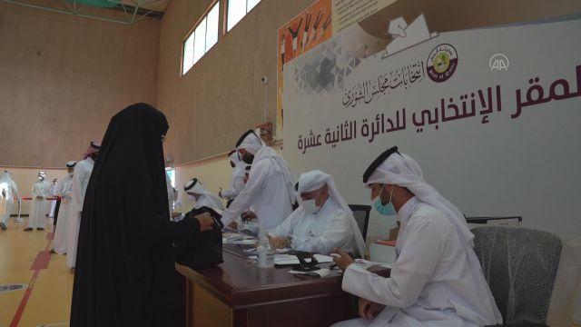 DOHA – Katar'da ilk kez yapılan milletvekili seçimleri için oy verme işlemi başladı (2)