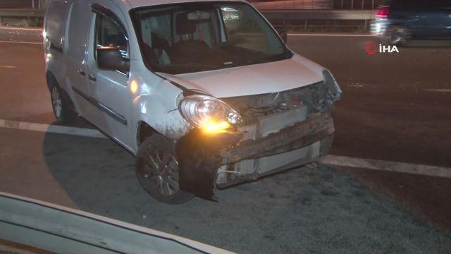 Esenler'de 3 aracın karıştığı kaza: 2 yaralı