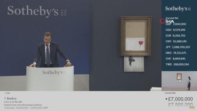 """– İngiliz sanatçı Banksy'nin eseri rekor fiyata alıcı buldu – Banksy'nin """"Love is in the Bin"""" 18 milyon poundan fazlaya satıldı"""