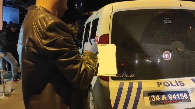 İSTANBUL – Pendik'te polise bıçakla mukavemette bulunan şüpheli, ayağından vurularak yakalandı