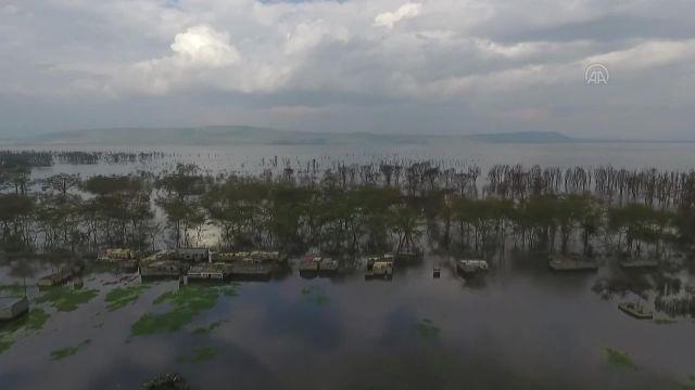 KENYA – Yükselen göller nedeniyle yerleşim yerleri sular altında kaldı