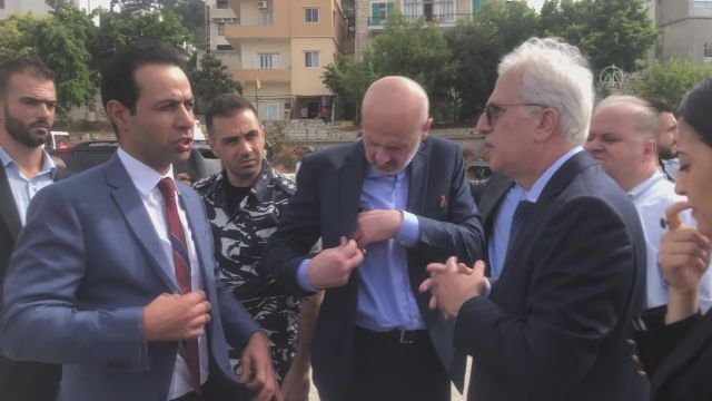 Lübnan'da eğitim uçağı düştü