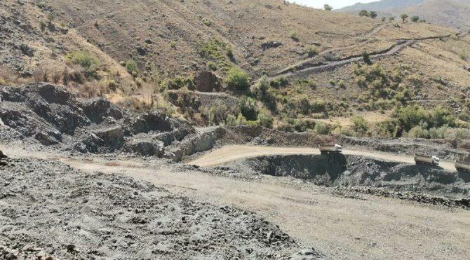 Maden şirketi yerleşim yeri yakınında dinamit patlattı, evler ve su kaynakları zarar gördü