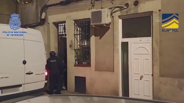 MADRİD – İspanya'da DEAŞ üyesi olmakla suçlanan Cezayir vatandaşı 5 kişi yakalandı