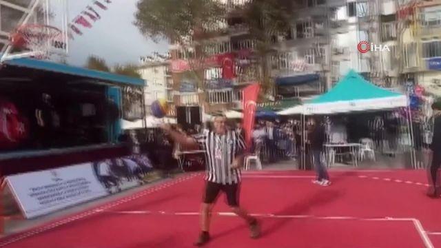 Meydanda basketbol coşkusu