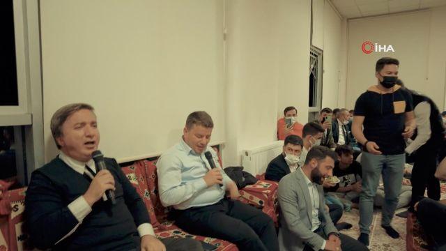 Öğrenciler çaldı, Vali Aydoğdu ve Belediye Başkanı Dinçer söyledi