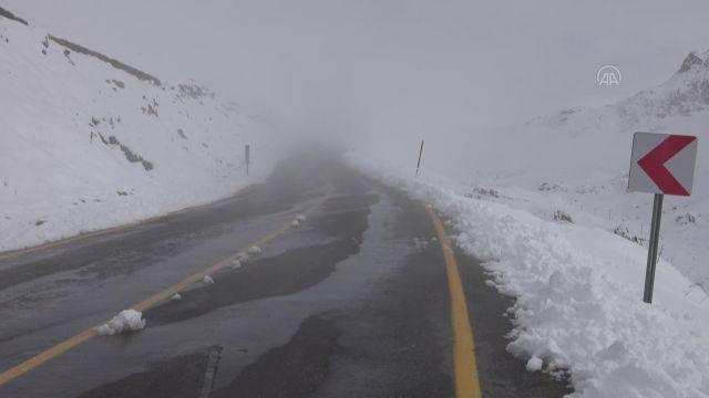 RİZE – Yüksek kesimlerde kar yağışı etkili oldu