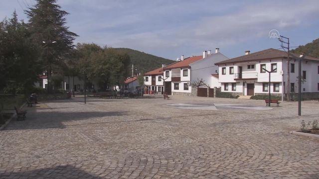 YALOVA – Tarihi Kafkas köyünde meydan Osmanlı mimarisiyle yenilendi